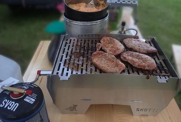Skotti - kompakter Grill zum mitnehmen